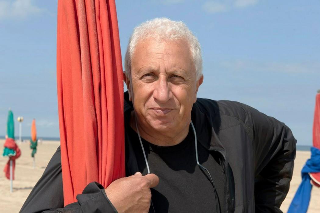 Massimo Vitali, courtesy the artist and Ronchini Gallery